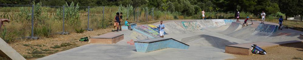 Cours de skate au skatepark de La Londe les Maures (83)