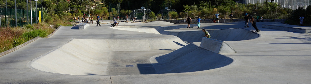 Cours de skate au skatepark de Toulon (83)